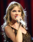 Cântăreaţa de muzică country Taylor Swift fost agresată sexual