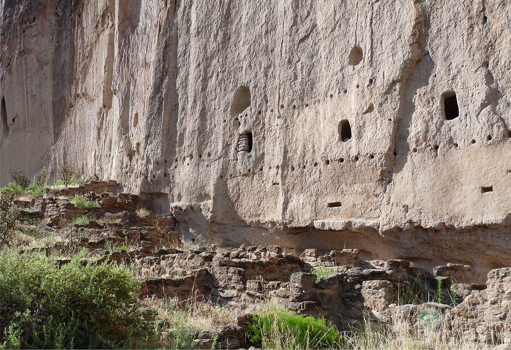 Bandelier National Monument in New Mexico, autor foto Wkgreen, sursa Wikipedia.