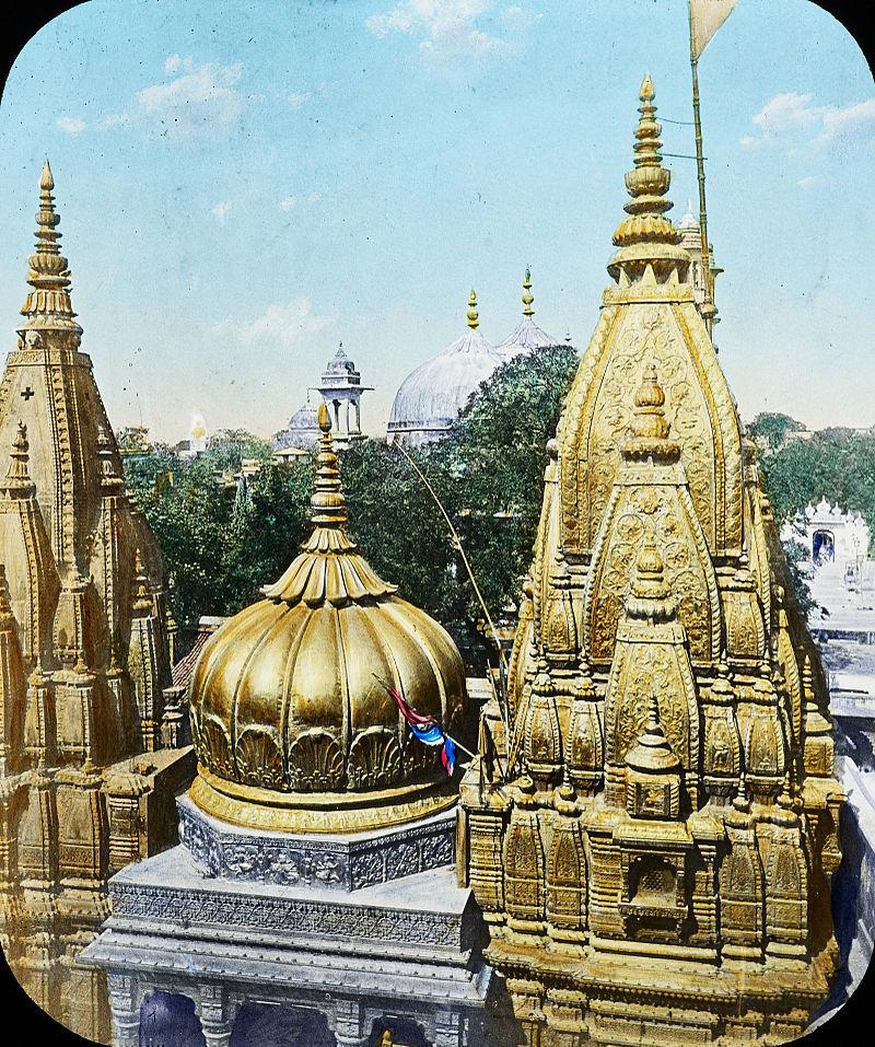 Templul de la Kashi Vishwanath, sursă Wikipedia.
