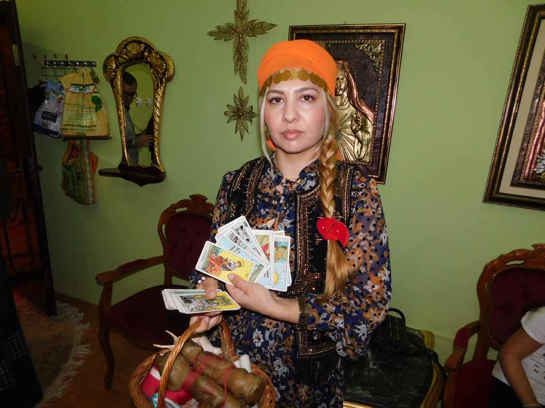 Tămăduitoarea Sunita a filmat cu televiziunea de stat din Sofia, Bulgaria