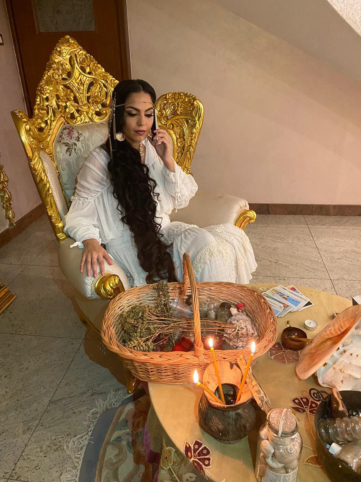 Mulţumiri pentru vrăjitoarea Ana Maria din Peru și Germania