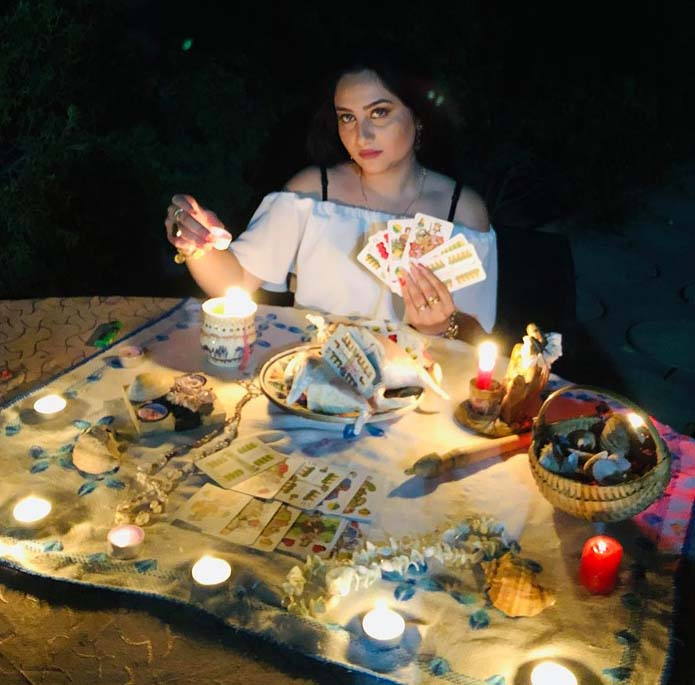Mulţumiri pentru celebra vrăjitoare Cristina