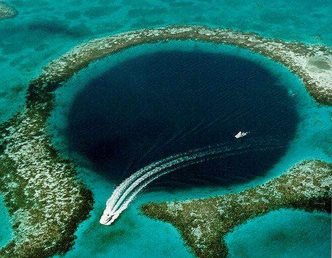 Great Blue Hole, locul unde se pătrunde spre Infern