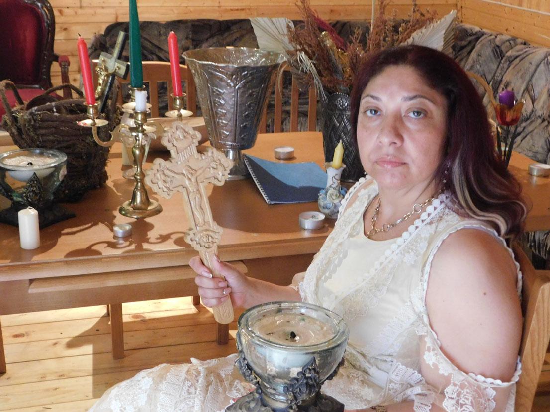Mulţumiri pentru vrăjitoarea Ioana Sidonia din Los Angeles și Londra